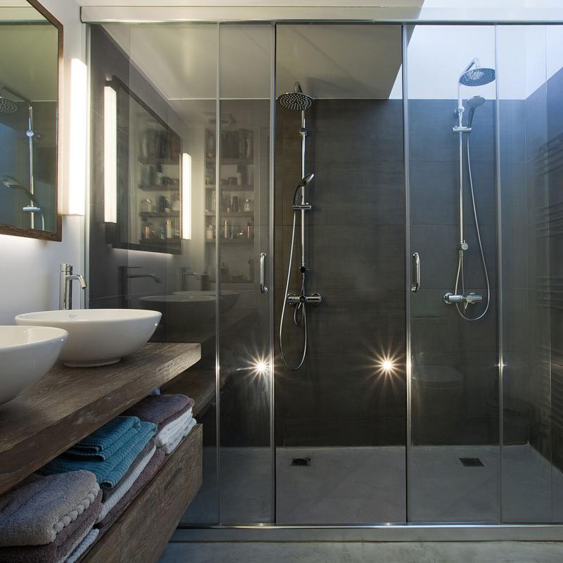 Bathroom design - The Simply Elegant Villa