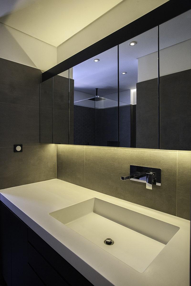 Luxurious bathroom design - the gem apartment